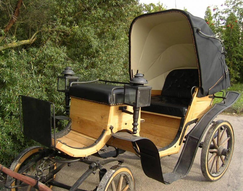 Antique car restoration - examples Lagriva